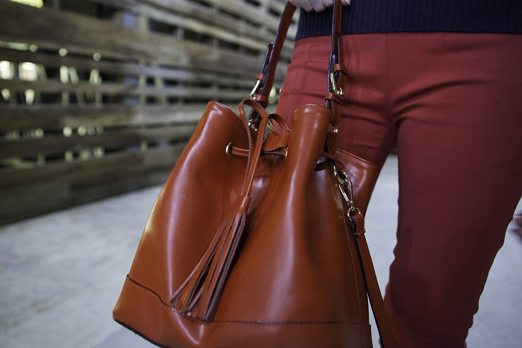 Style Indigo red Italian leather handbag