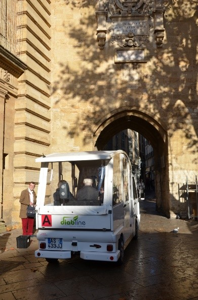 Marseilles electric cars run by the city hall